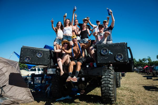 boots-and-hearts-2016-camping-party