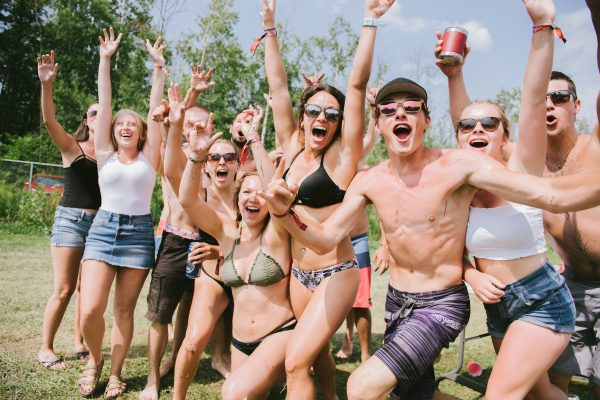 boots-and-hearts-2018-camping-crowd
