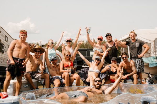 boots-and-hearts-2018-camping-pool