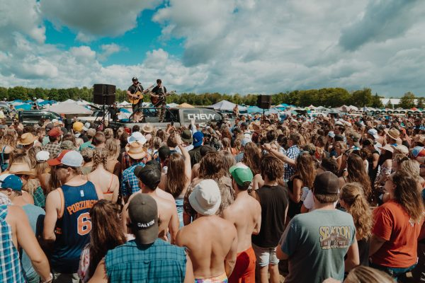 boots-and-hearts-2019-mitchell-tenpenny-chevy-pop-up